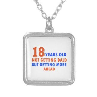 lustige 18 Jahre alte Entwürfe Halskette Mit Quadratischem Anhänger