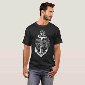 Lustige Arbeit wie ein Zitat Kapitän-Play Like A T-Shirt