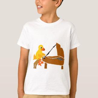 Lustige Ente, die Klavier-Kunst spielt T-Shirt