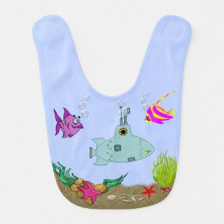 Lustige Fische u. Unterseeboot im Ozean auf blaues Lätzchen