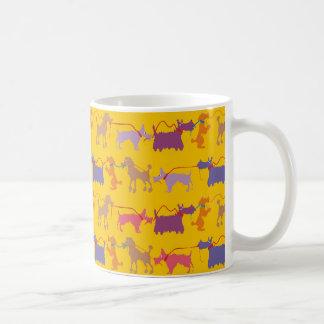 Lustige Hunde mit Führung Kaffeetasse