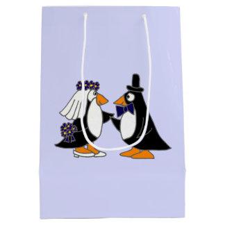 Lustige Pinguin-Braut-und Mittlere Geschenktüte