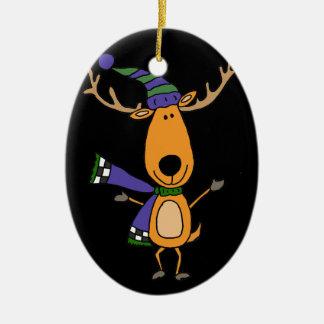 Lustige Rotwild im Winter-Schal und dem Hut Keramik Ornament
