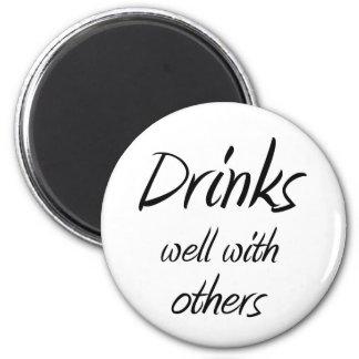 Lustige trinkende runder magnet 5,1 cm