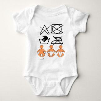Lustige visuelle Babyanweisungen Baby Strampler