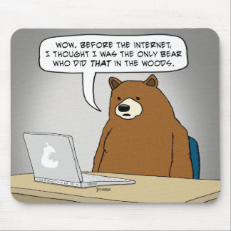 Lustiger Bär, der das Internet surft Mousepad