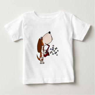 Lustiger Basset Hound-Hund, der Saxophon spielt Baby T-shirt