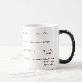 """Lustiger """"Bedarf, Kaffeeliebhaber-Tasse zu kacken"""" Verwandlungstasse"""