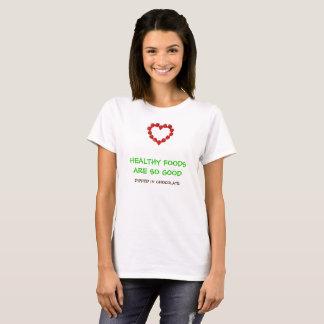 Lustiger Biokost-T - Shirt mit Erdbeerherzen