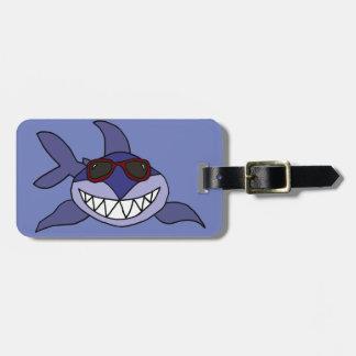 Lustiger blauer Haifisch mit Sonnenbrille Gepäckanhänger