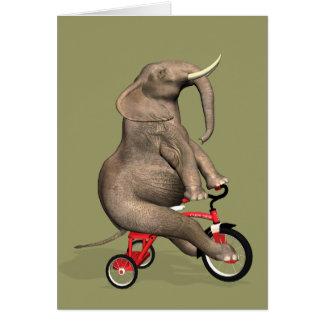 Lustiger Elefant, der ein Dreirad reitet Karte