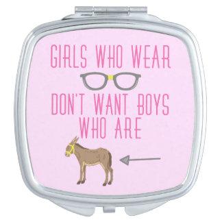 Lustiger Mädchen-Glas-Nerd-Spaß Taschenspiegel