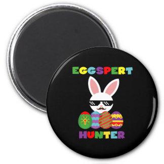 Lustiger rosa Hopping Osterhase für Ei-Jäger Runder Magnet 5,7 Cm