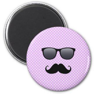 Lustiger schwarzer Schnurrbart und Gläser Kühlschrankmagnete