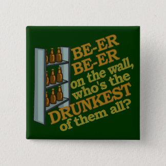 Lustiges Bier auf der Wand Quadratischer Button 5,1 Cm
