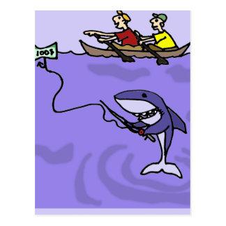 Lustiges Haifisch-Fischen mit Geld Postkarte