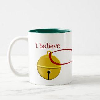 Lustiges Kaffee-Weihnachten, das ich glaube Zweifarbige Tasse
