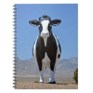 Lustiges Milchkuh-Statue-Wüsten-Färsen-Vieh Tier Notizblock