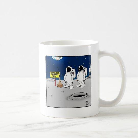 Lustiges Rauchen in den Raum-Cartoon-Geschenken Tasse
