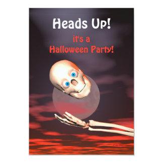 Lustiges Schädelthrow-Halloween-Party 12,7 X 17,8 Cm Einladungskarte