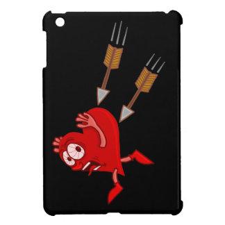 Lustiges Valentinstag-Herz, das von den Pfeilen iPad Mini Hülle