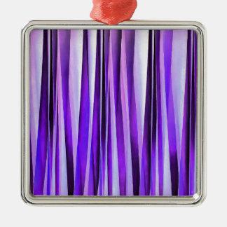 Luxuriöses Flieder-, Lila und silbernesStripy Quadratisches Silberfarbenes Ornament
