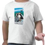 Macareux et bateau de croisière - Seward, Alaska T-shirt