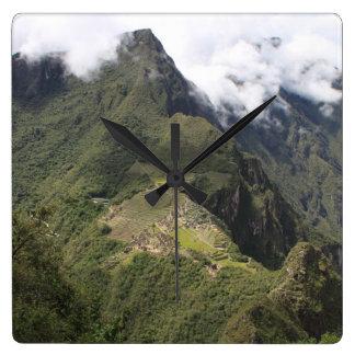 Machu Picchu Augenansichtuhr Vogels Quadratische Wanduhr