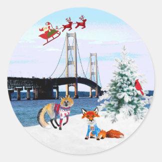 Mackinac Brücken-Weihnachtsaufkleber Runder Aufkleber