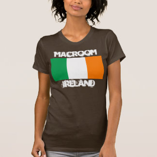 Macroom, Irland mit irischer Flagge T-Shirt