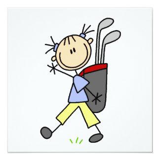 Mädchen-Golfspieler mit Tasche und Vereine Quadratische 13,3 Cm Einladungskarte