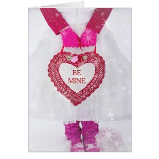 Mädchen im weißen Kleid mit Valentinsgruß-Herzen Grußkarte