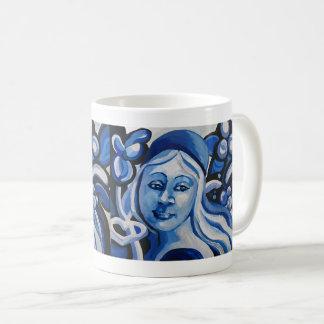 Mädchen in einem blauen Hut Kaffeetasse