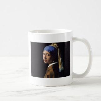 Mädchen mit einer Perlen-Ohrring-Malerei Kaffeetasse