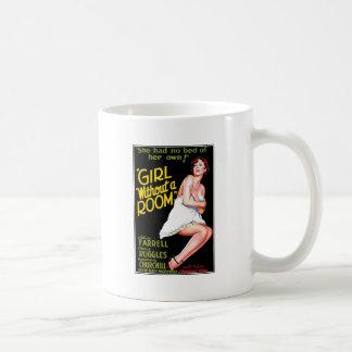 Mädchen ohne einen Raum Kaffeetasse