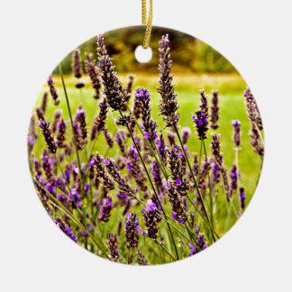 Magic Lavender Rundes Keramik Ornament