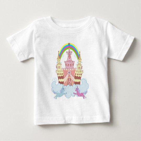 Magisches Schloss mit niedlicher Baby T-shirt
