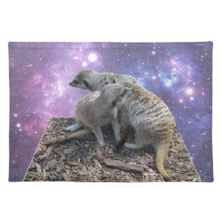 Mama Meerkat und Welpe, Stofftischset