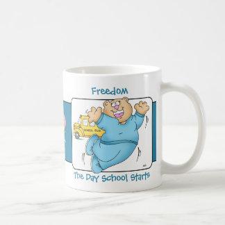 Mamma sagt: Freiheit - die Externats-Anfänge Kaffeetasse
