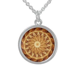Mandala 001 in bernsteinfarbigem Brown Sterling Silberkette