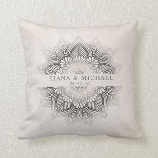 Mandala-Spitze-Hochzeits-Jungvermählten-neutrale Kissen