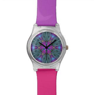 Mandala von der bunten Fraktal-Mittelkunst mit Armbanduhr