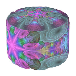Mandala von der bunten Fraktal-Mittelkunst mit Hocker