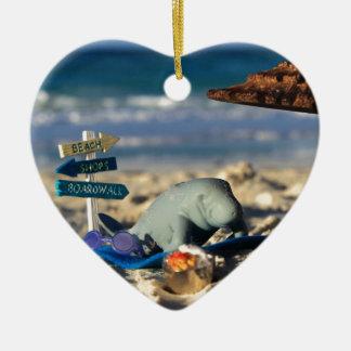 Manfred das Manatis am Strand Keramik Ornament