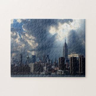Manhattan-Skyline mit Sturm-Wolken