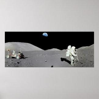 Mann auf dem Mond Poster