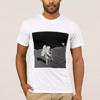 Mann auf dem Mond-T-Shirt T-Shirt