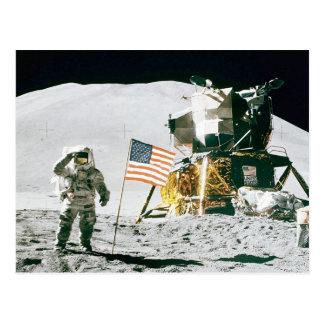 Mann auf Mond Postkarte