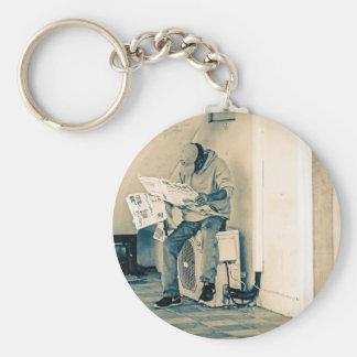 Mann-Lesepapier Schlüsselanhänger