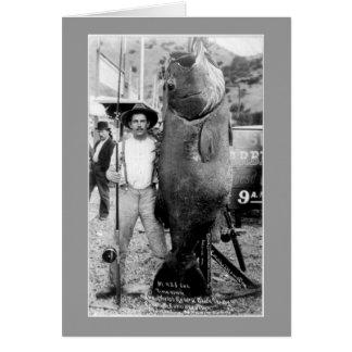Mann mit riesigen Fischen Karte